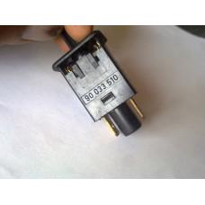 Выключатель света в бардачке Опель Омега Б.90033510